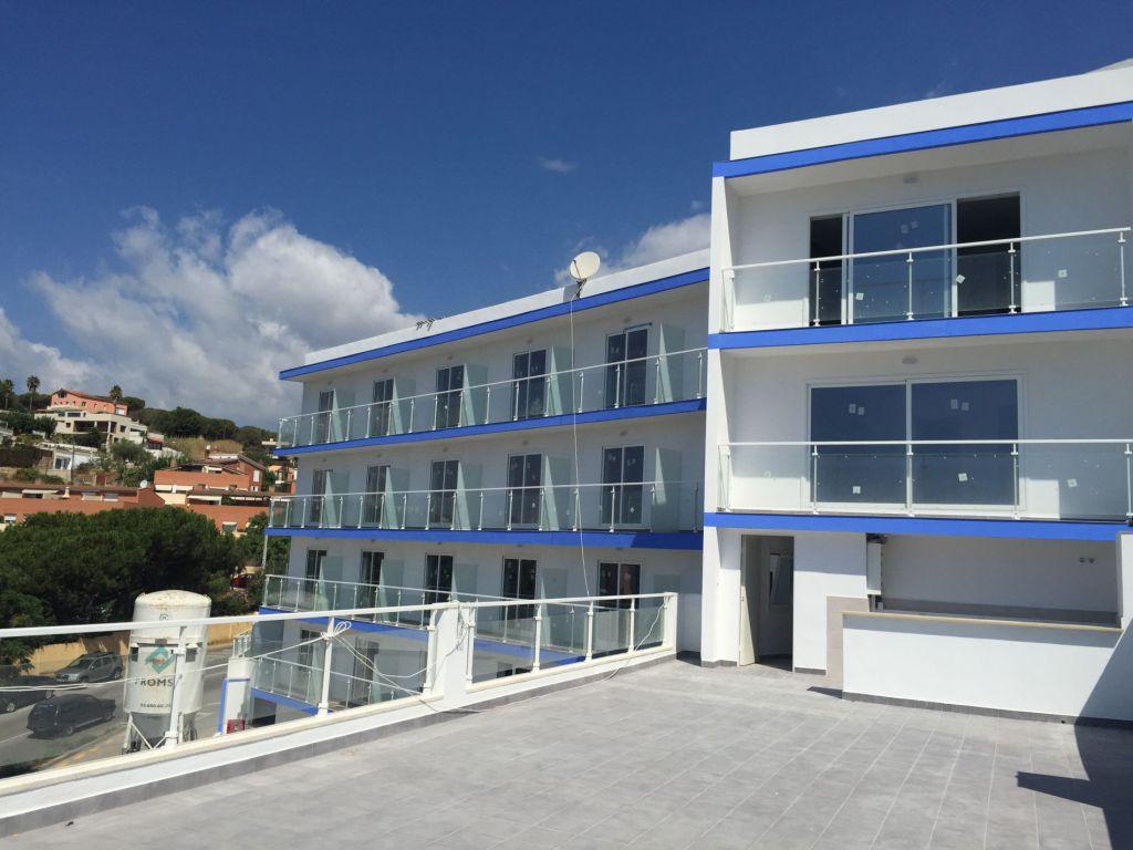 Купить гостиницу в испании дом на кипре купить недорого