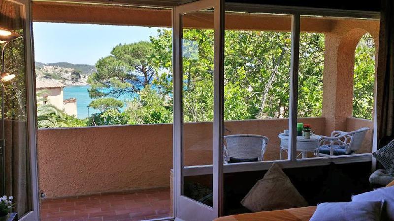 Продажа гостиниц в барселоне купить дом на таити