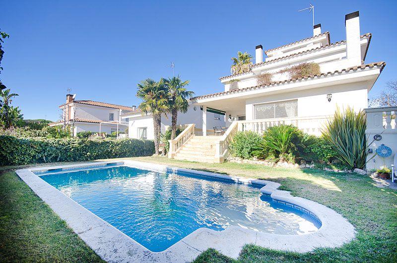 Купить дом в каталонии у моря цена авиабилета москва дубай